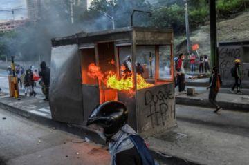 Nueva jornada de protestas en Colombia deja al menos un muerto
