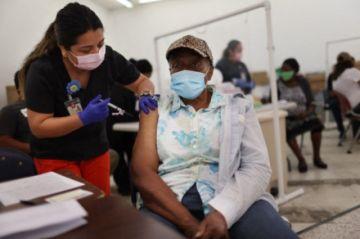 Ofrecen incentivos en efectivo en EEUU para vacunarse contra el covid