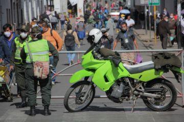 Ministros discrepan sobre posibilidad de declarar cuarentena en Bolivia