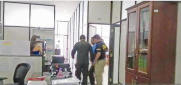 Condenan a 21 años de cárcel al exprefecto Ariel Iriarte