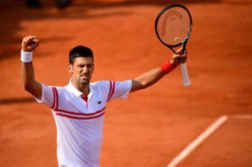 Nadal, Djokovic y Swiatek siguen imparables en Roland Garros, Federer sufre pero gana