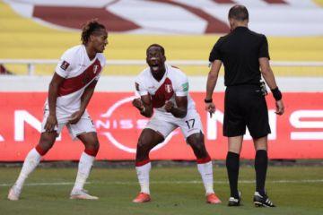 Perú resucita al ganar a un Ecuador que tambalea en eliminatorias