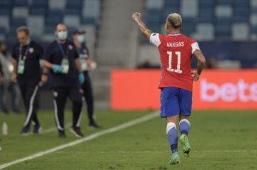 Chile a cuartos de final de la Copa América al empatar 1-1 con Uruguay