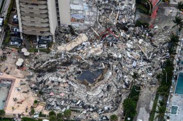 Un muerto y 99 desaparecidos en derrumbe parcial de un edificio en Florida