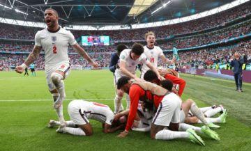 Inglaterra despide a Alemania en Wembley y presenta su candidatura al título