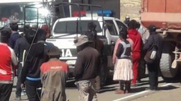 Pobladores toman como rehén a un policía en comunidad rural de Potosí