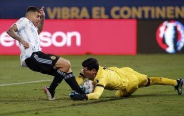 El boliviano Carlos Lampe es el nuevo arquero del Vélez Sarsfield argentino