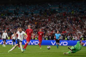 Inglaterra alcanza la final de la Eurocopa al vencer 2-1 a Dinamarca