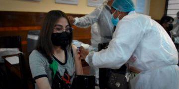 """Gobierno anuncia dos millones de vacunas para este fin de semana y alista un """"megaoperativo"""""""