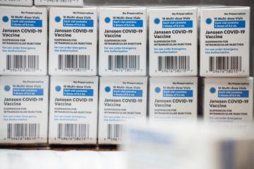 Postergan la llegada a Bolivia de vacunas de Johnson & Johnson