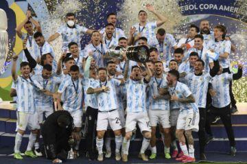 Messi gana su primer título con Argentina al vencer 1-0 a Brasil en la final de la Copa América