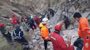 Al menos 31 muertos en el accidente de bus en Chataquila, según el último reporte de la Policía