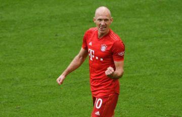 Esta vez, el futbolista holanés Arjen Robben se retira de verdad