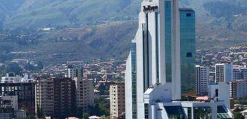 Equipo de prensa del diario Los Tiempos fue golpeado por avasalladores de tierras