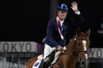 El australiano Hoy, de 62 años, el medallista de más edad desde 1968