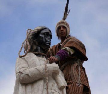 Arrestados por dañar el monumento a Cristóbal Colón en El Prado paceño