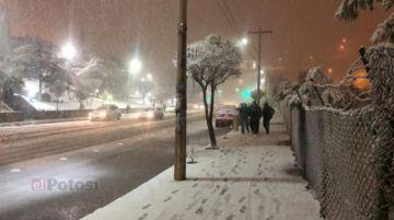 Intensa nevada obliga a suspender actividades en Potosí y se pronostica más nieve