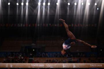 Simone Biles reaparece y logra un bronce balsámico en Tokio