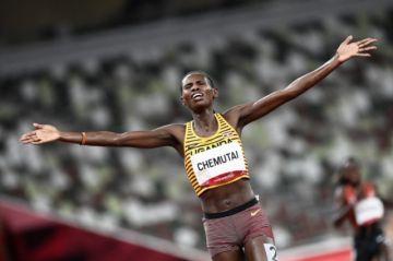 La atleta Chemutai da a Uganda el tercer oro olímpico de su historia