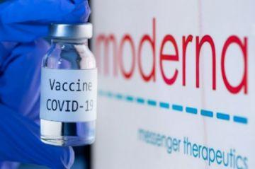 Moderna dice que la protección de su vacuna anticovid dura al menos seis meses