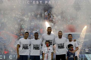 """PSG presenta a sus """"galácticos"""" en el Parque de los Príncipes"""