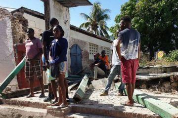 Los muertos por el terremoto en Haití ya sobrepasan los 300