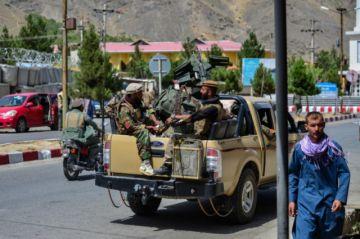 El Presidente afgano abandona el país ante la llegada de los talibanes a Kabul
