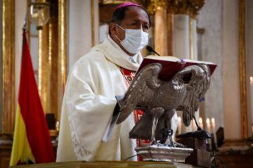 Arzobispo pide dejar de lado presiones políticas e ideológicas para vivir en libertad