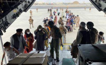Afganistán: Avanzan las evacuaciones desde el aeropuerto de Kabul
