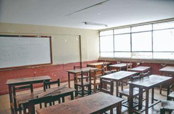 Sancionan a 20 colegios privados de Chuquisaca por incumplir descuentos en pensiones