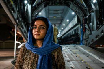 """La ONU fija como """"línea roja"""" el trato de los talibanes a las mujeres"""