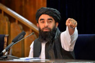 Talibanes piden a Estados Unidos que cese de evacuar a afganos calificados