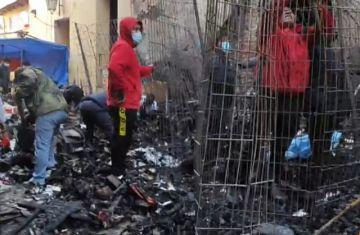 Incendio devasta cinco puestos de un pasaje comercial de Quillacollo