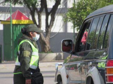 Deliverys, farmacias y taxis deben solicitar permiso para circular el Día del Peatón