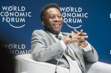El rey Pelé fue operado de un tumor en el colon