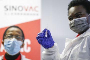 Farmacéutica china Sinovac inicia en Sudáfrica ensayo en niños de su vacuna anticovid