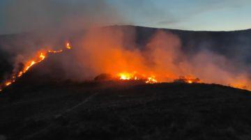 Chuquisaca registra un incendio en Zudáñez y aún no se apaga el fuego en El Palmar