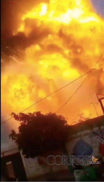 Incendio y explosión en campamento del Sedcam en Camargo