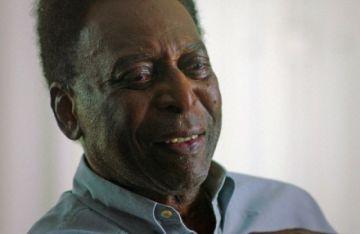 """Pelé, """"estable"""", tras regresar brevemente a cuidados intensivos"""