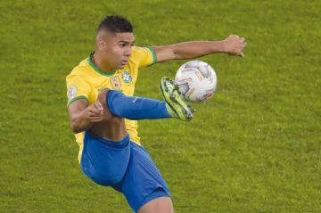 Casemiro es baja en Brasil, Douglas lo reemplazará
