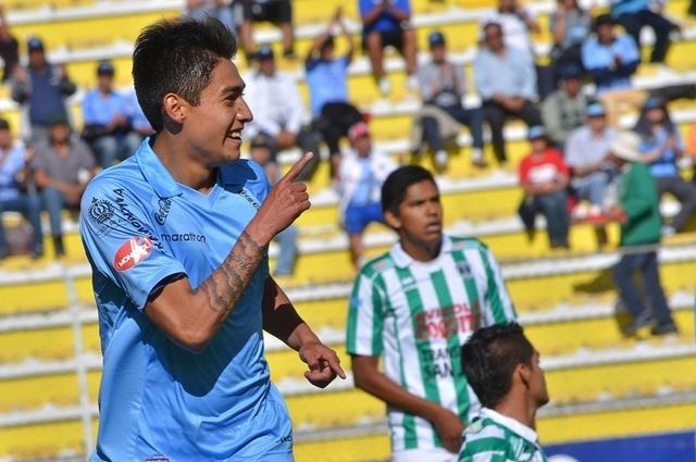 Bolívar golea a Petrolero 4-1 y es líder absoluto