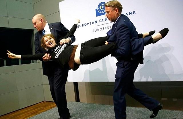 El grupo feminista Femen reivindica la protesta contra el presidente del BCE