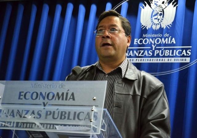 Ministro Arce anticipa que habrá doble aguinaldo este año