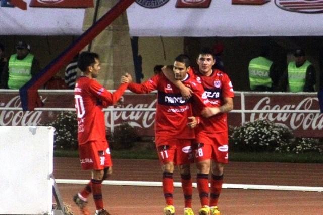 Universitario suma su quinta victoria en el Clausura