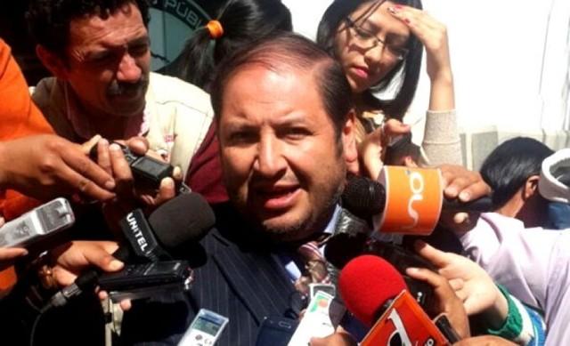 Tesorero de la FBF pide investigar a colaboradores de Chávez