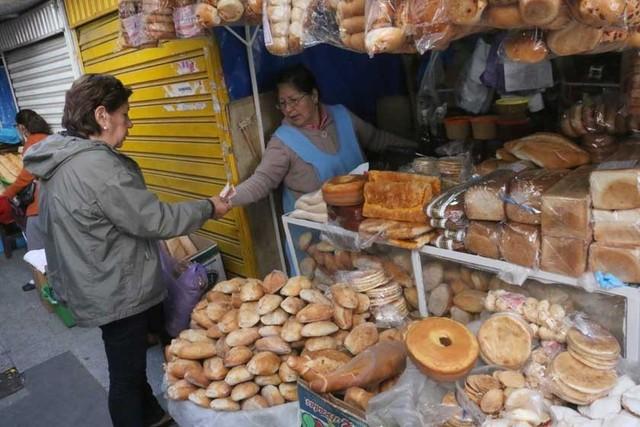 Indignación por el pan y la carne en amas de casa
