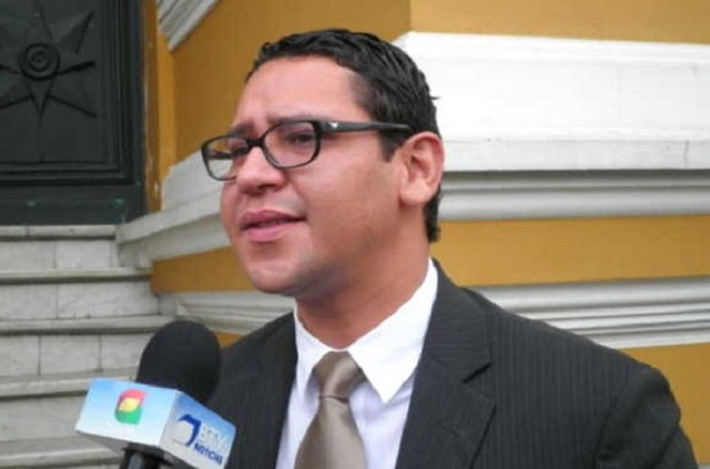YPFB anuncia demanda contra diputado Monasterios por daño a imagen institucional