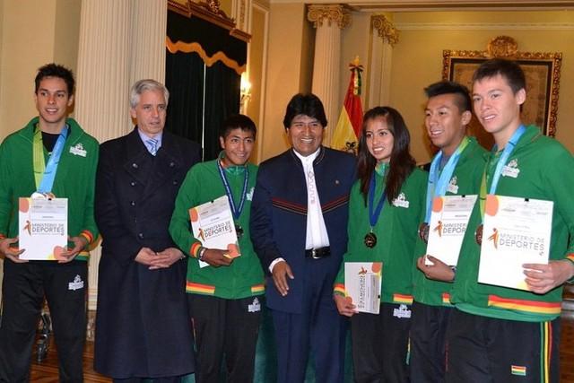 Medallistas panamericanos reciben incentivo económico del Gobierno