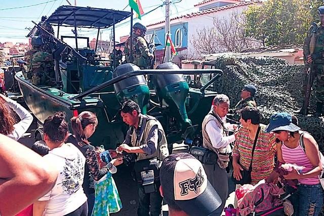 Parada Militar dinamizó comercio en Sucre