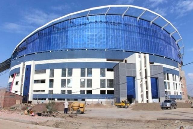 Presidente inaugura el coliseo polideportivo más grande del país en Quillacollo